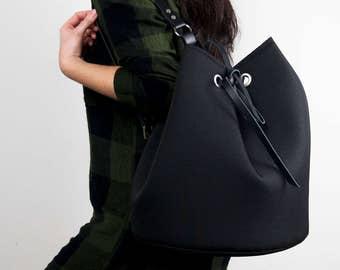 Black Bucket Bag / One Shoulder