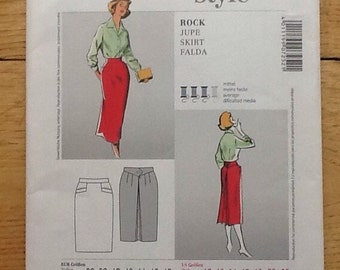 7252 Burda Style, sewing pattern for retro skirt with fabulous back detail.