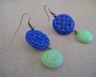 Vintage style earrings in Polymer Clay. Made to order. You choose the colours.