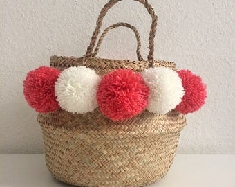 Basket Thai with white and pink PomPoms