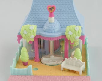 1995 Polly Pocket -  Dress Shop - Little house with one doll