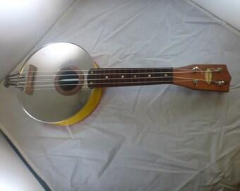 Banjolele folk instrument