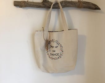 Medium embroidered tote bag