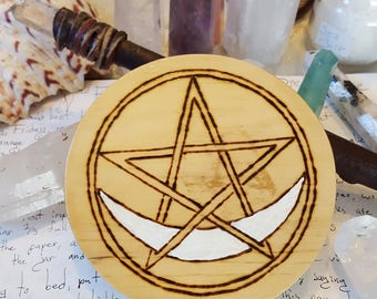 Crescent Moon Wiccan Altar Pentacle