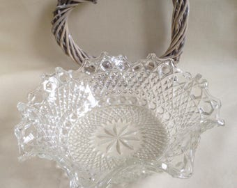 French Style Oyster / Scallop shaped cut glass fruit / Trifle / nibbles serving Bowl / Dish