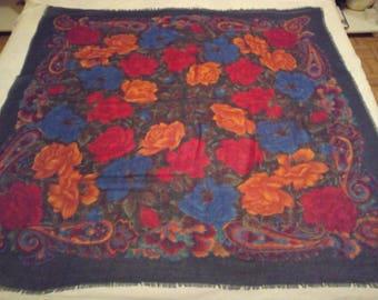 Beautiful square wool 115 x 115