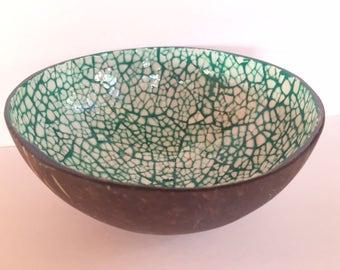 No. 11/18 Handmade Artisan Mosaic Hawaiian Coconut Shell Bowl with Artistic Hand-painted Inlay (Green)
