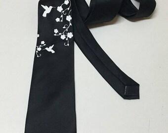 Hummingbird Tie