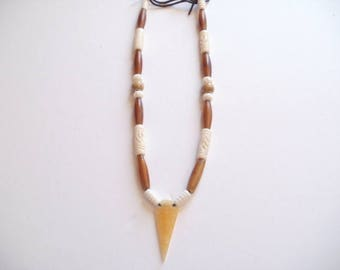Native American necklace pointing arrow yellow jade