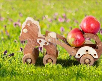 Игровой набор пони с повозкой. Wooden Toy PONY Push Toy