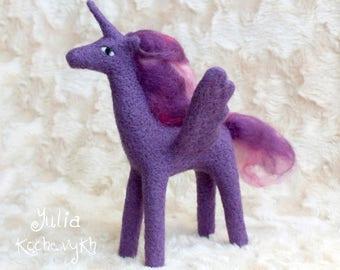 Needle Felt Unicorn Winged Horse, Believe in magic Felted Unicorn Flying Horse, Unicorn Toy, Needle felted animal, Magical Unicorn, felt toy