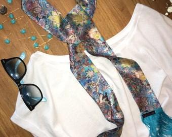 Floral print blue silk fringe a blue scarf, I walk