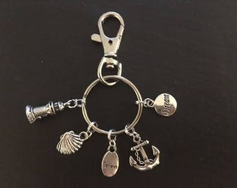 Silver keyring with sea related charms