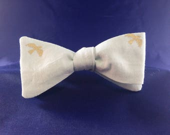 Mens Bow tie ~Self Tie BowTie ~Cotton Bow tie ~Green Bowtie