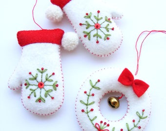 Felt PDF sewing pattern - Embroidered mittens and tiny wreath - Christmas tree ornaments, easy sewing pattern, digital item