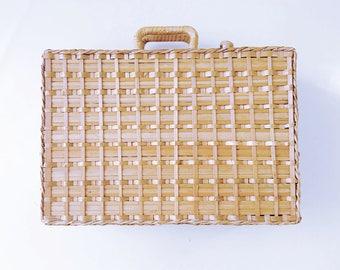 Small Wicker suitcase / 70s - 80s / Bohemian spirit