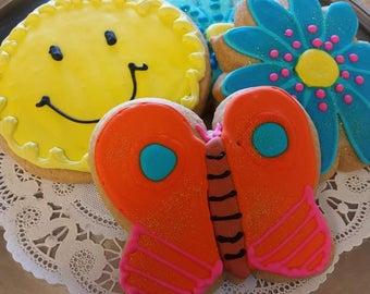 6 Vegan Iced Cutout Sugar Cookies