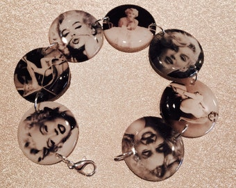 MARILYN MONROE lightweight resin circle photo charm bracelet 7.5 inch Norma jean icon vintage celebrity pin up black and white retro gift