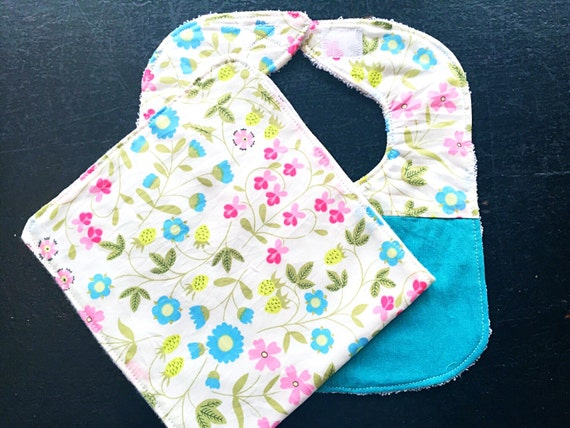 Mirabelle Flowers Baby Bib and Burp Cloth Set, Baby Shower Gift, New Baby Gift, Infant Bib