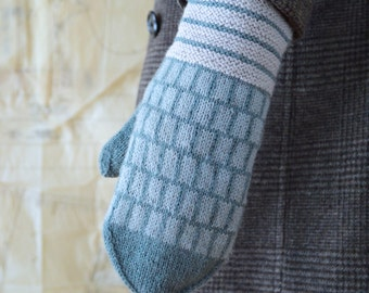 Leaf in the Wind Mittens Knitting Pattern PDF