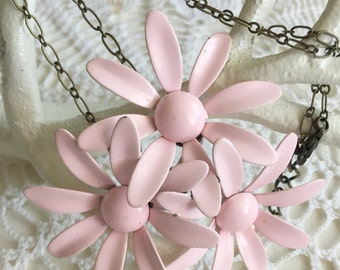 Vintage Enamel Pink Daisy Flower Necklace