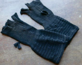 Victorian Mourning Mitts With Tassels