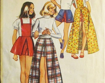 1970s Vintage Sewing Pattern Simplicity 5385 Girls Pantskirt Pattern With Detachable Bib Size 8 Breast 27