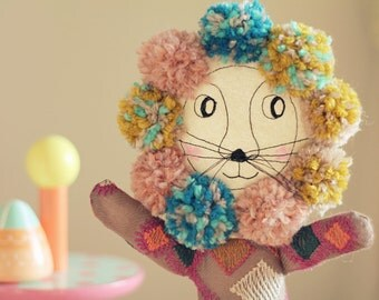 Pom-pom lion
