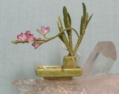 Dollhouse Orchid Ikebana in 1:12 scale for Miniature Dolls House
