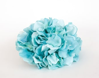 60 Silk Hydrangea Petals in Light Blue Shades ... silk flowers, artificial flowers - ONE Hydrangea Head -ITEM 01032