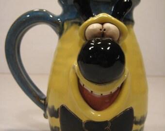 Happy Bee  Mug ................................       a57