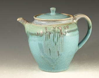 Pottery teapot in turquoise glaze 5cup  loose leaf