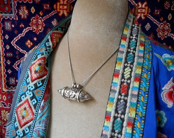 Maya necklace, exquisite sterling silver amulet case,  hertz,  wearable shrine