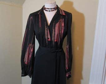 Black print 40s style Floral blouse Vintage 70s Blouse Cameo print black poly print blouse 1970s Disco shirt M