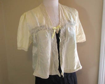 Vintage Bed Jacket Yellow 40s Satin Lace Blouse 40s Lace trimmed top yellow satin gathered sleeves 40s Lingerie S M