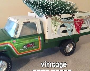 Vintage Farm Truck - Headed Home for the Holidays! Nylint Farms