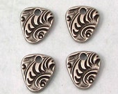 Jardin Triangle Charm, Antique Pewter, TierraCast, 4 Pieces TPA18