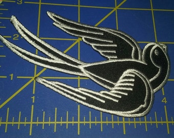 Tattoo Flash Sparrow embroidered patch - Pin up, retro, rockabilly applique
