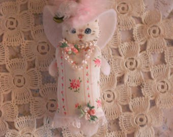 Handmade Victorian Kitten Brooch/Pin