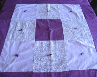 Vintage Purple Lavender Patchwork Lap Quilted Coverlet Wallhanging Throw