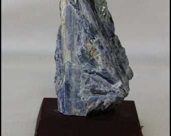 Blue Kyanite Blades Rough Metaphysical Channeling Stone Chakra Crystal Gifts for Home Gifts for Him Trendy Office Décor