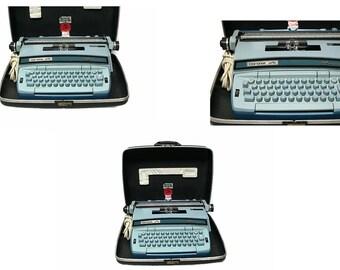 Vintage | Corona Robin's Egg Blue Electric Typewriter Case