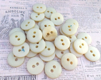 34 Shabby Creamy VINTAGE Buttons 7/8 Inch