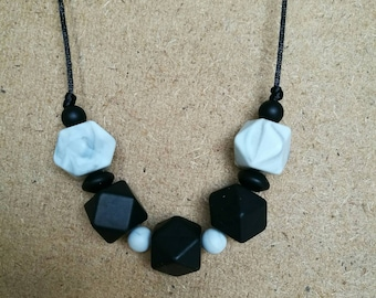 Teething necklace for mum.