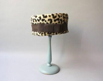 1960s Hat / Vintage 60s Cheetah Print Hat / 60s Animal Print Faux Fur Hat