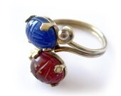 Vintage Scarab Gemstone Ring in Blue and Red / Burt Cassell 12K GF / Costume Jewelry / Size 6