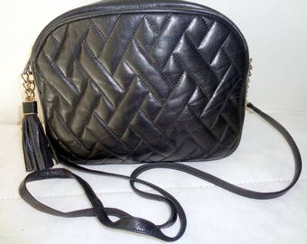 Talbots quilted  soft leather SMALL size evening bag , cross body bag, top zip satchel purse vintage  early  80s