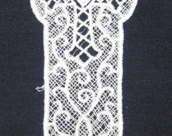 "White Lace Celtic Cross Bookmark, machine embroidery 5"" x 2"""