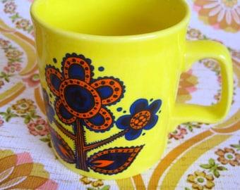 Vintage 1970s Mod Flower Mug - Staffordshire Potteries LTD