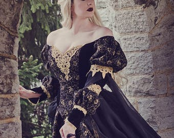 Black and Gold Gothic Sleeping Beauty Medieval Fantasy or Wedding Gown Size Medium